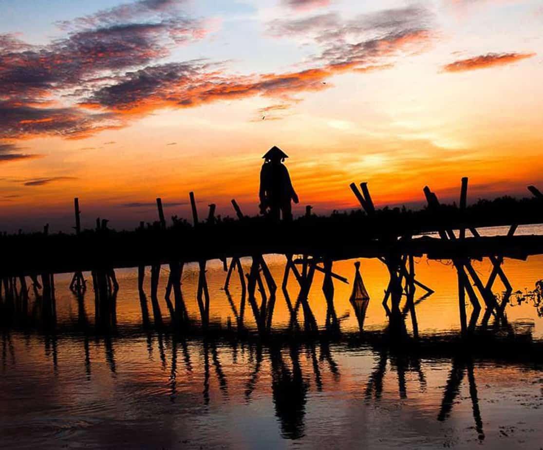 Day 1: Saigon to Can Tho (210 KM - 7 hours riding)