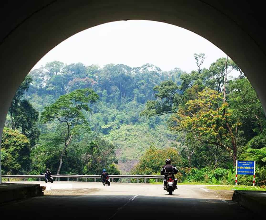 Day 2: P'rao to Hue (185 km - 6 hours riding)