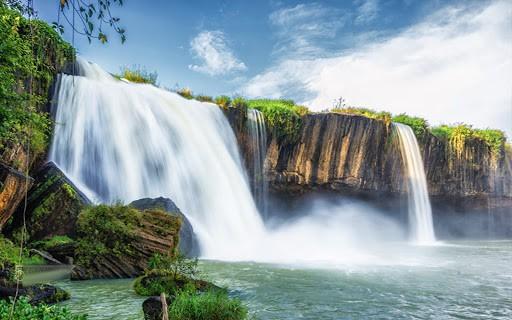 Day 4: Lak – Dray Sap Waterfall (130 km – 4 hours riding)